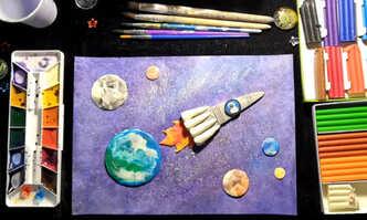 Ракета ко Дню космонавтики